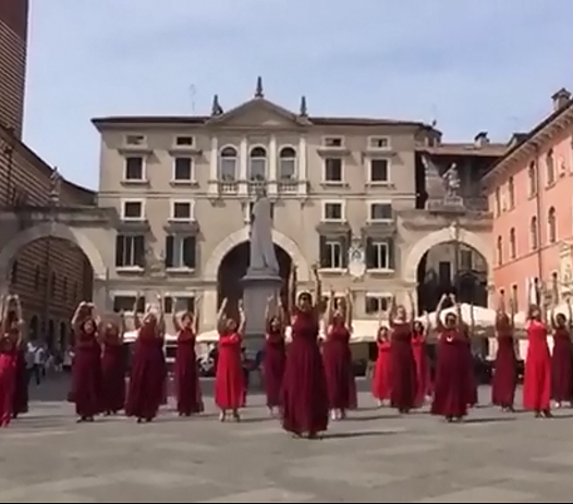Flash Mob: '5 Minuti di stra-ordinaria poesia', Verona!